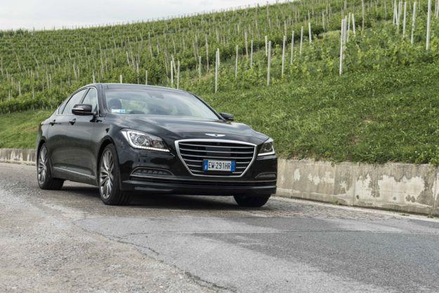 Hyundai Genesis prova su strada