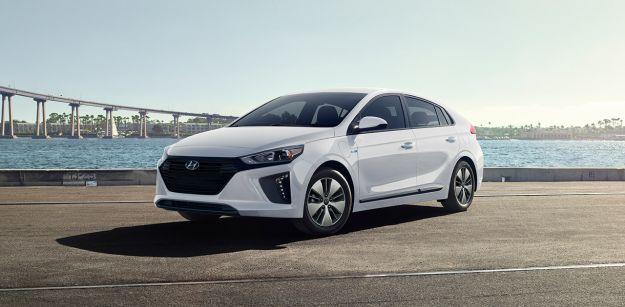 Hyundai Ioniq Plug-In Hybrid: l'ibrido ad alta efficienza con la spina