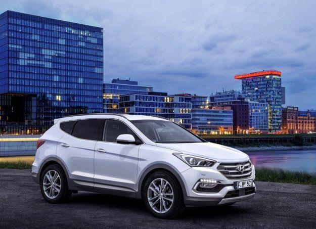 Nuova Hyundai Santa Fe 2016: nuovo look e tanta sicurezza per il SUV coreano [FOTO]