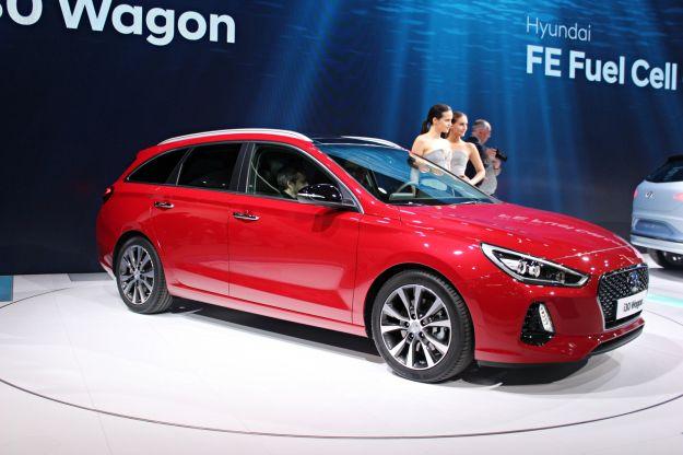 Nuova Hyundai i30 Wagon 2017: prezzi, uscita e dimensioni. Bagagliaio extralarge [FOTO]