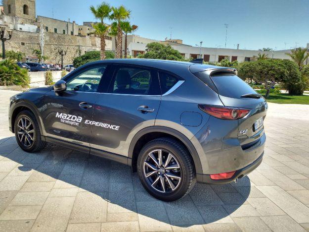 Nuova Mazda CX-5 2017, primo contatto: prezzo, dimensioni ed interni [FOTO]