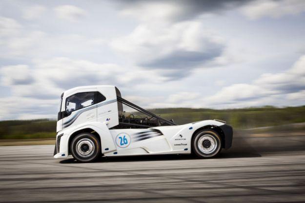 Camion più veloce del mondo: ecco il Volvo Iron Knight [FOTO e VIDEO]