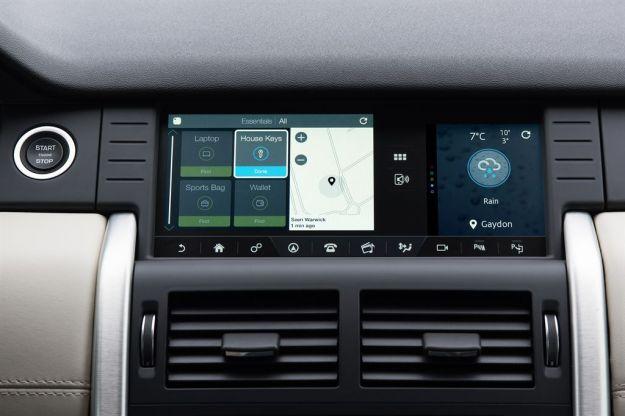 Land Rover Discovery Sport 2017: prezzo e caratteristiche, debutta Tile [FOTO]