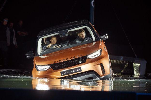 Land Rover al Salone di Parigi 2016: tutti i modelli del brand britannico [FOTO]