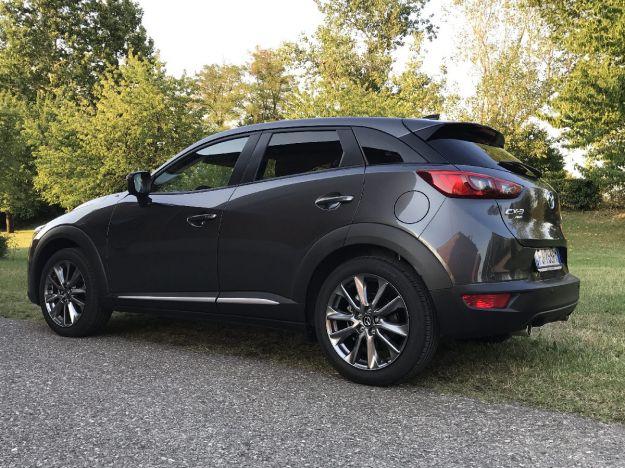 Mazda CX-3 2017 design prezzo