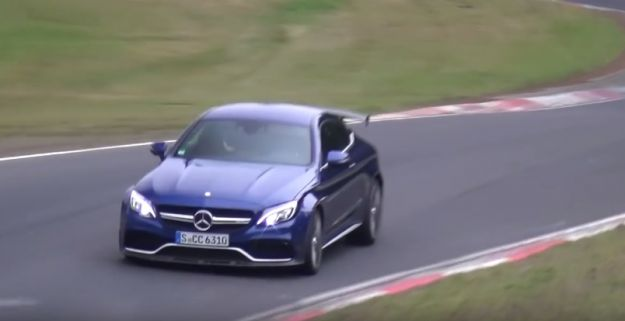 "Mercedes AMG C63 R, foto spia: la coupé si ""estremizza"""