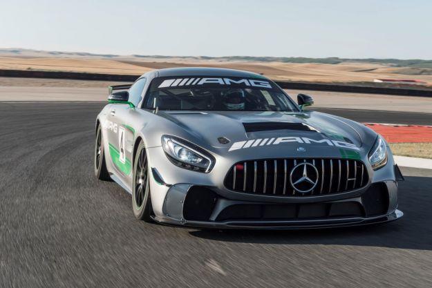 Mercedes-AMG GT4: scheda tecnica, prezzo e motore della versione da corsa [FOTO]