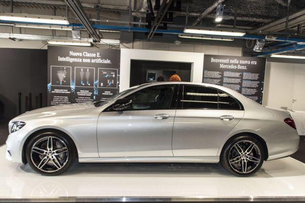 Mercedes Classe E 2016, prova su strada: prezzi, dimensioni e caratteristiche [FOTO]