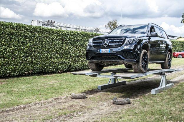 Mercedes GLS 63 AMG 2016: prezzo, motore e prova su strada [FOTO]