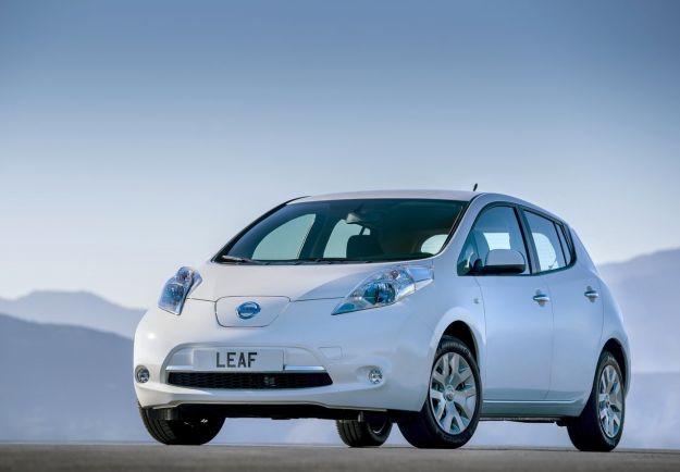 Nissan Leaf aggiornata negli USA, aspettando la seconda generazione [FOTO]