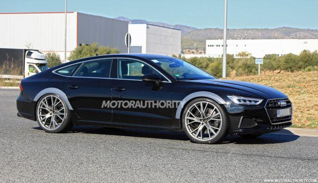 Nuova Audi RS7 Sportback 2019, foto spia: caratteristiche da Panamera ibrida?