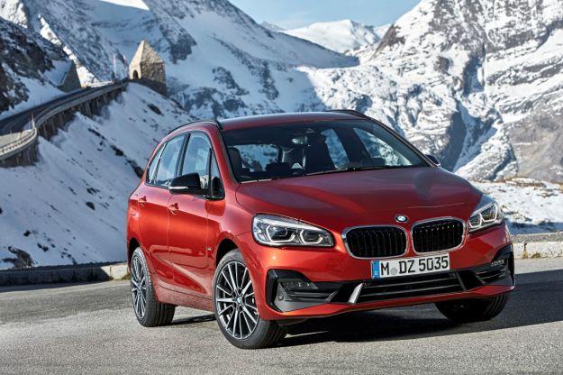 Nuova BMW Serie 2 Active Tourer 2018 restyling: motori e caratteristiche