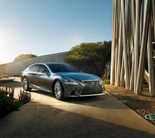 Nuova Lexus LS 500 al Salone di Detroit: caratteristiche e dimensioni [FOTO]