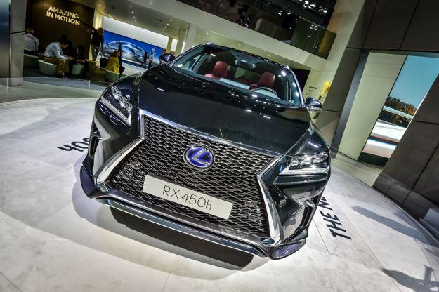 Nuova Lexus RX 2016: prezzo e consumi del SUV hybrid di lusso [FOTO]