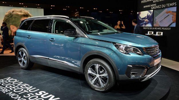 Nuova Peugeot 5008 2017: scheda tecnica e prezzi del crossover 7 posti [FOTO]