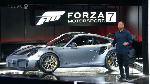 Nuova Porsche 911 GT2 RS 2018: scheda tecnica, caratteristiche e foto