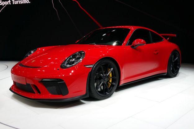 Nuova Porsche 911 GT3 2017: prezzo e scheda tecnica. E' anche manuale [FOTO]