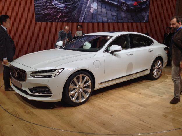 Nuova Volvo S90 al Salone di Detroit 2016 (2)