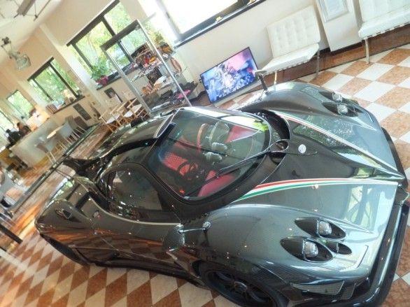 Pagani Zonda 764 Passione: supercar da 1 milione di euro! [FOTO]