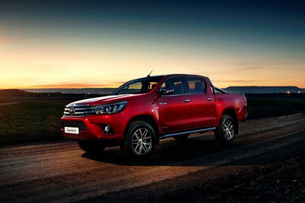 Nuovo Toyota Hilux: scheda tecnica, prezzi e caratteristiche del pick-up [FOTO]