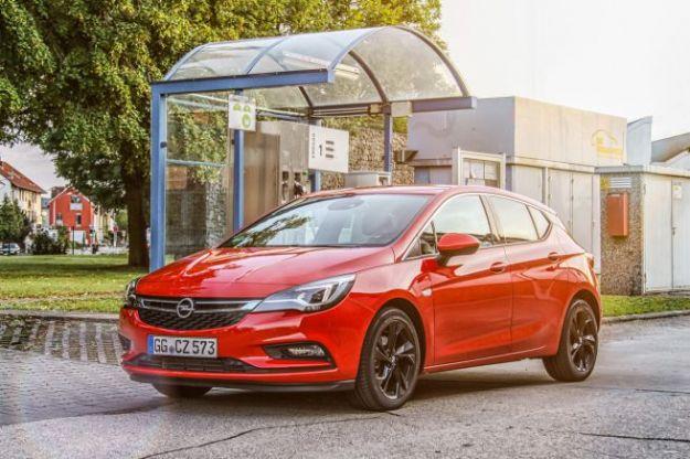 Opel Astra ecoM