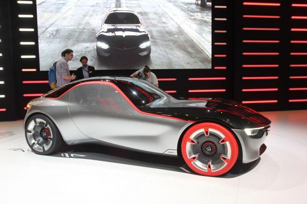 Opel al Salone di Ginevra 2016, attesa per GT Concept
