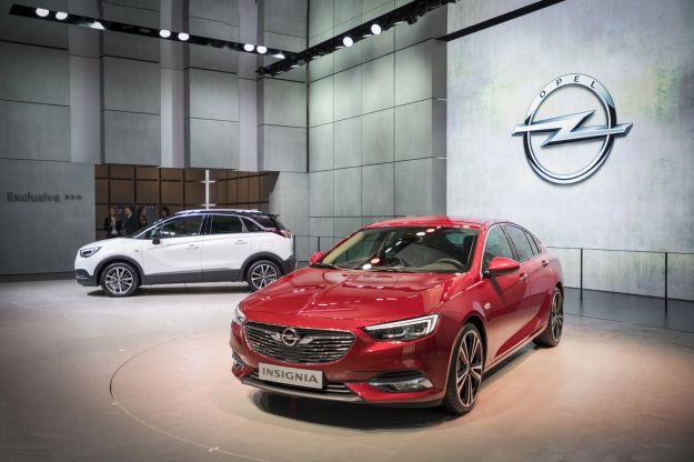Opel al Salone di Ginevra 2017: Insignia al completo e Crossland X [FOTO]