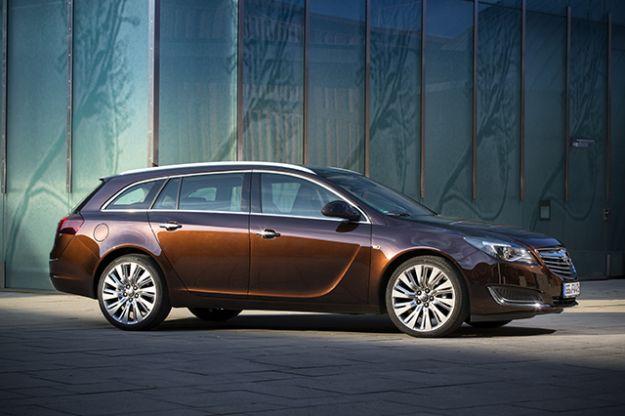 Nuova Opel Insignia: prezzo e scheda tenica, arrivano i 1.6 CDTI [FOTO]