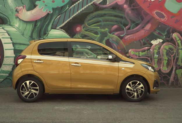 Peugeot 108 Collection: colorata e alla moda, accessori e prezzi