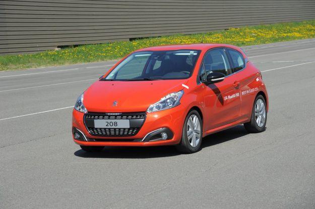 Peugeot 208 1.6 BlueHDI, record di consumo