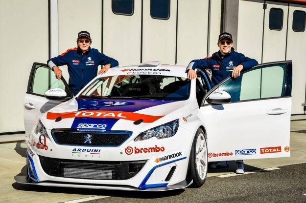 """Peugeot 308 Racing Cup: direttamente da """"Veloce come il vento"""", al volante Stefano Accorsi! [FOTO]"""