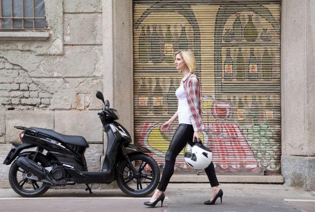 Peugeot Tweet 125 e 150: prezzo, scheda tecnica e prova su strada dei nuovi allestimenti [FOTO]