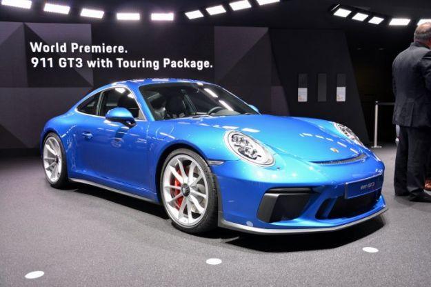 Porsche 911 GT3 Touring Package al Salone di Francoforte 2017: prezzo e scheda tecnica [FOTO]