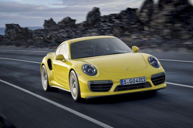 Nuova Porsche 911 Turbo e Turbo S 2016: prezzo, scheda tecnica e prestazioni [FOTO]