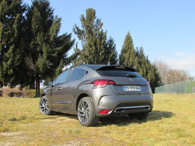 Prova su strada DS 4 Performance Line