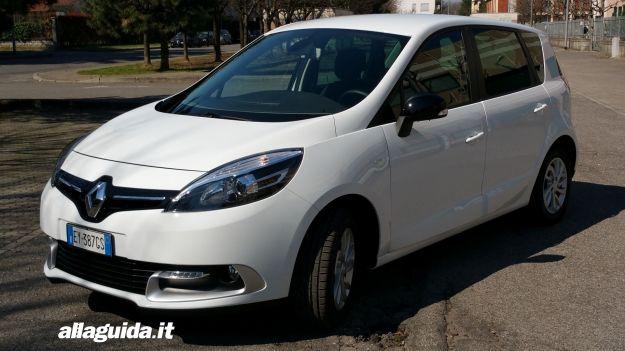 Renault Scenic XMOD: prova su strada, prezzi e dimensioni [FOTO e VIDEO]
