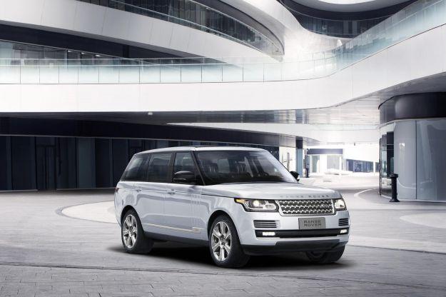Range Rover ibrida passo lungo