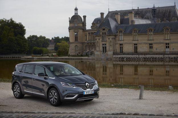 Renault Espace 2017, novità motore 1.8 turbo e interni anche in versione Executive [FOTO]