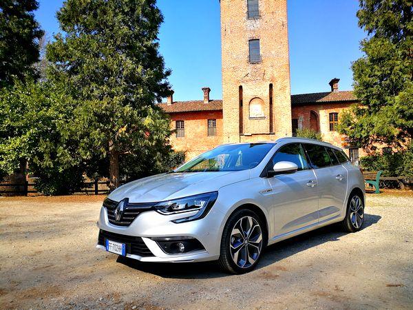 Renault Megane Sporter 2017: prezzi, prova e opinioni della versione station wagon [FOTO]