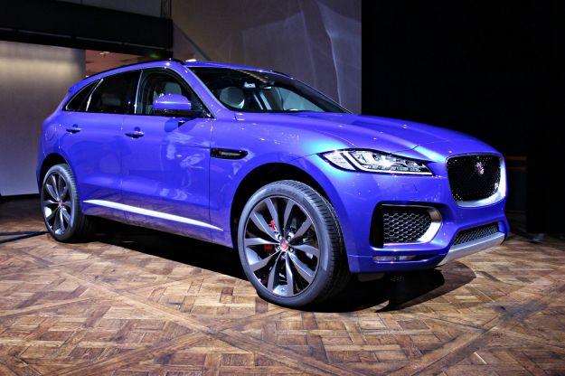 Jaguar F-Pace 2017: prezzo, dimensioni, interni, motori e anche R-Sport [FOTO]