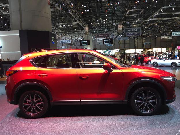 Nuova Mazda CX-5 2017: prezzo e dimensioni della nuova generazione del SUV [FOTO]