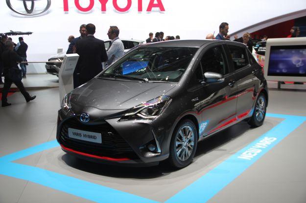 Nuova Toyota Yaris 2017: prezzo, dimensioni, scheda tecnica, interni [FOTO]