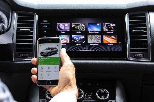 Skoda Connect: dallo smartphone all'auto, la prova dei servizi connessi
