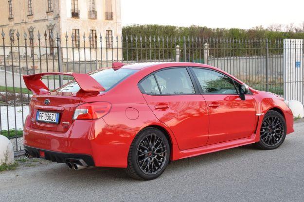 Subaru WRX STi 2017 estetica design