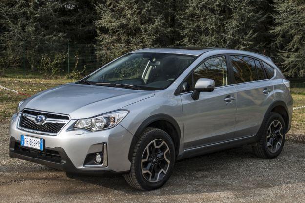 Subaru XV 2017: prezzo, prova su strada, dimensioni e interni [FOTO e VIDEO]