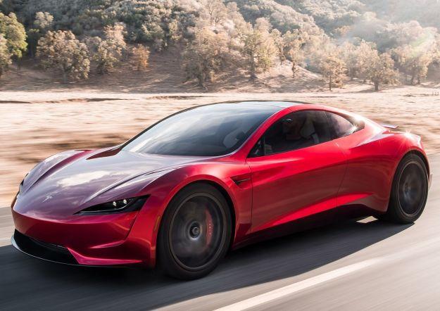 Nuova Tesla Roadster, concept avveniristico: le prestazioni e la scheda tecnica [FOTO]
