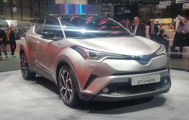 Toyota C-HR: dimensioni, motori e uscita del crossover compatto [FOTO]