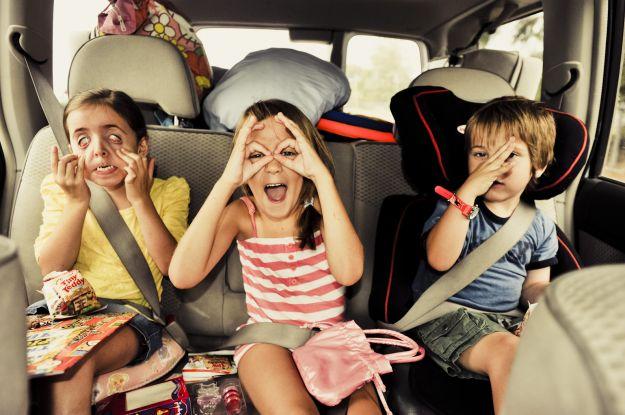 Viaggiare in auto bambini
