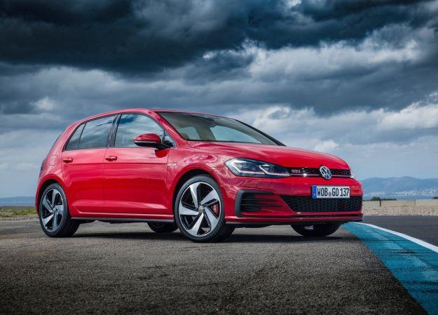 Volkswagen Golf GTI Performance 2017: più potenza e 0-100 in 6,4 secondi [FOTO]