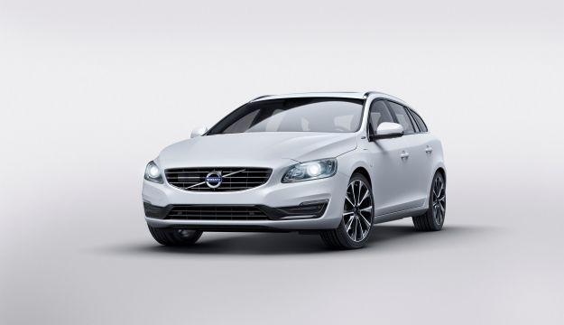 Volvo V60 D5 Twin Engine ibrida: motore e scheda tecnica [FOTO]
